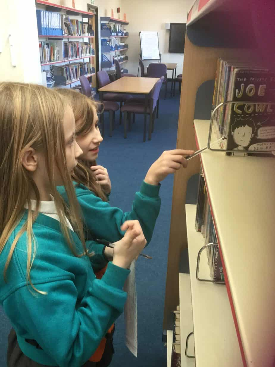 Y5 visit St.Peter's library